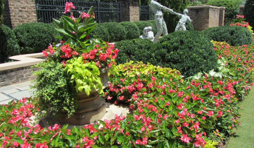 A Complete Solution for Your Landscaping Vision.