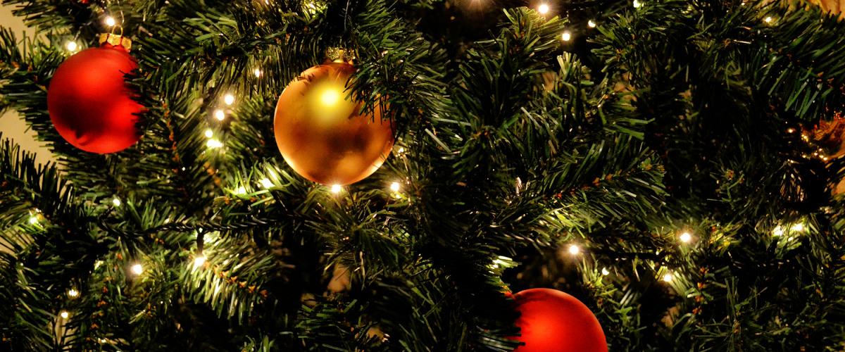?A Christmas Break-In:? Christmas/Hanukkah Hurricane Katrina Memories Shared by Friends of Different Faiths