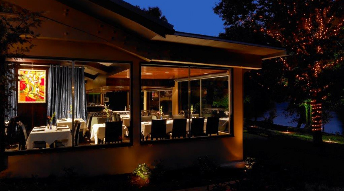 Ray 39 s on the river private dining ray 39 s restaurants - Private dining room atlanta ...