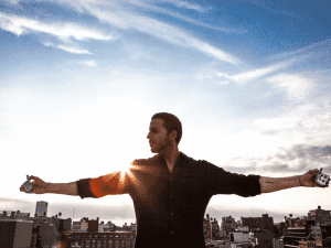 David Blaine Makes Pure Magic On Stage at The Saenger