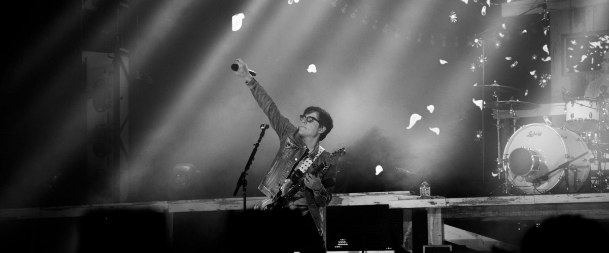 Weezer and Pixies Announce Summer 2018 Co-Headline Tour