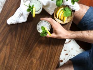 Sparkling Lavender + Black Tea Gin Cocktail (?Sweet Tea Cocktail?)
